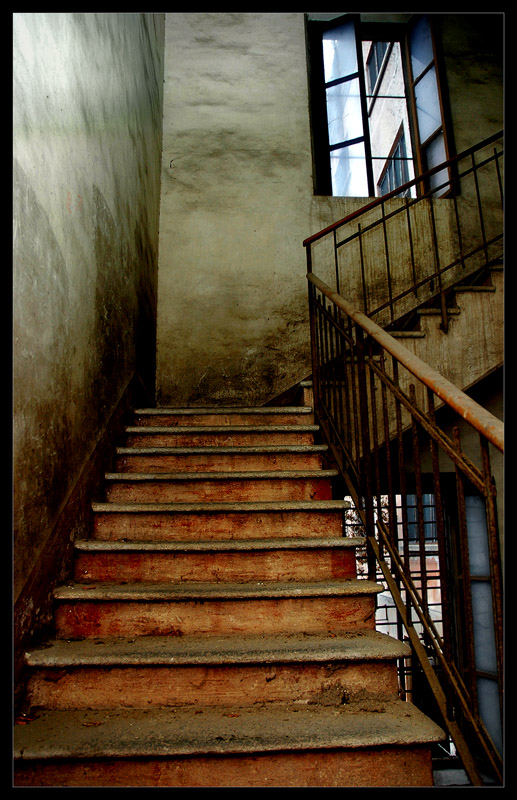 Red_Stairs_don__t_Cry_by_x_horizon